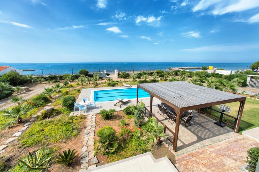 Cretan Beachfront Villas